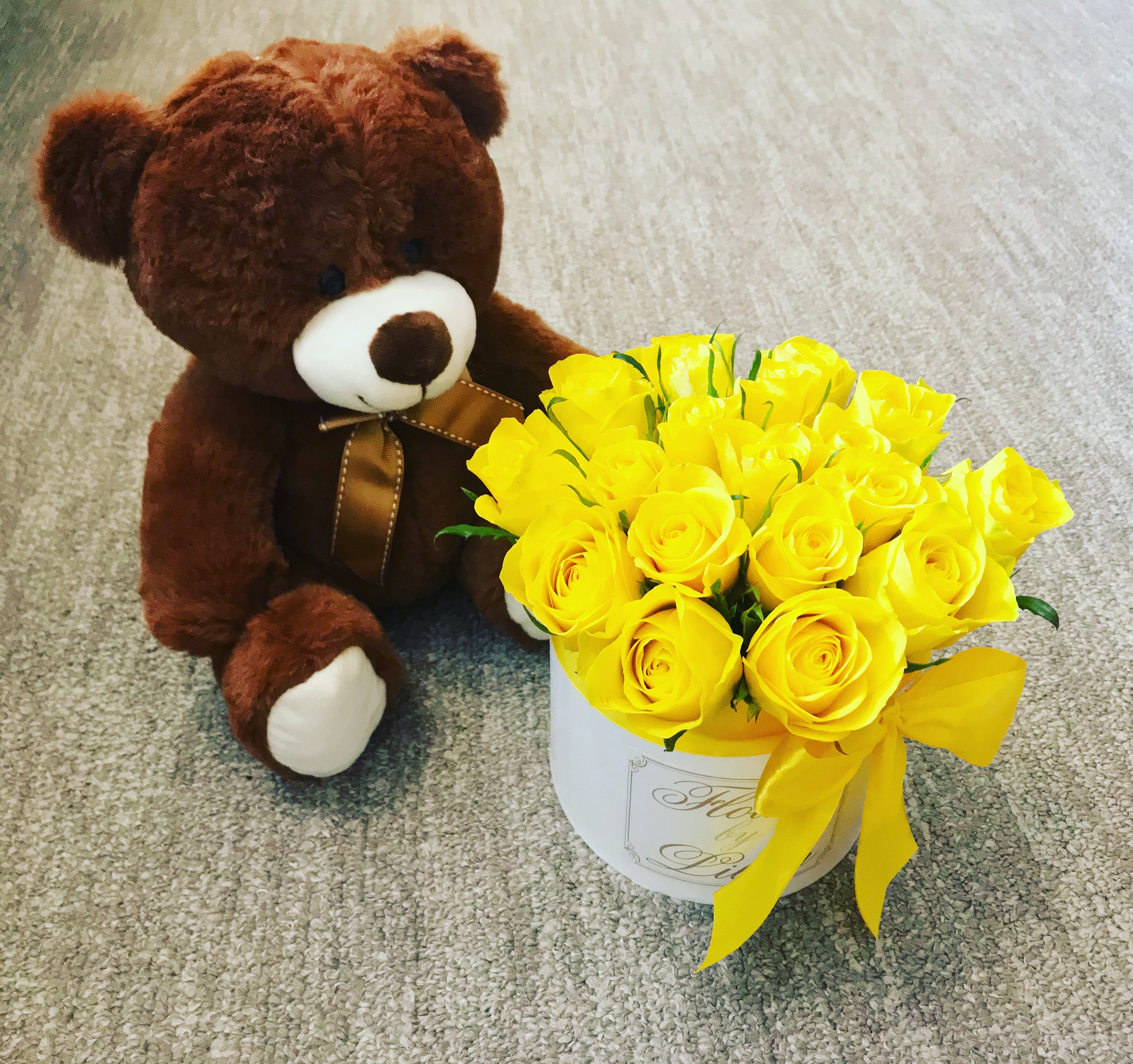 FLOWER BOX YELLOW ROSES WITH BEAR S
