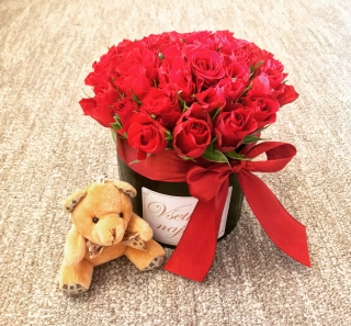 SET FLOWER BOX RED ROSES WITH MINI BEAR